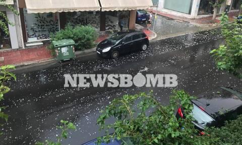 Καιρός ΤΩΡΑ: Κατακλυσμός στην Αθήνα - Ισχυρή χαλαζόπτωση και σφοδρές καταιγίδες (pics&vids)