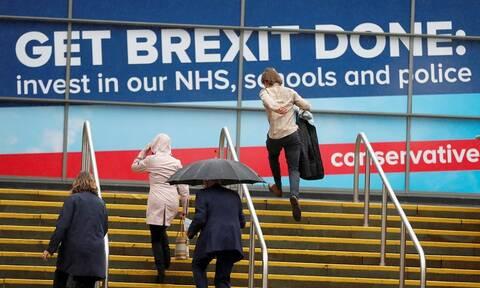 Brexit: Κάνει πίσω ο Τζόνσον - Θα ζητήσει παράταση αν δεν υπάρξει συμφωνία έως τις 19 Οκτωβρίου