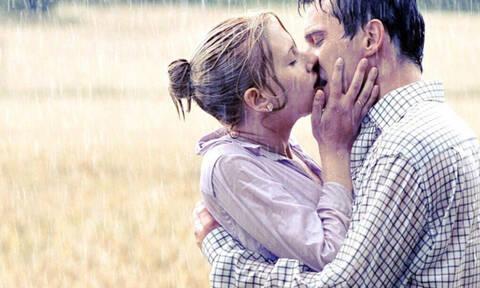 Έχεις αναρωτηθεί γιατί γέρνεις προς τα δεξιά σε κάθε σου φιλί;