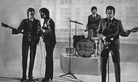 1962: Οι Beatles κυκλοφορούν το πρώτο τους τραγούδι «Love Me Do»
