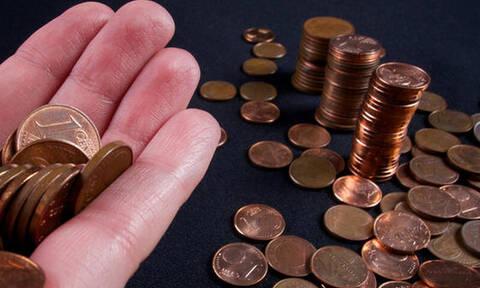 Έπος: Αγόρασε αμάξι πληρώνοντας με κέρματα!