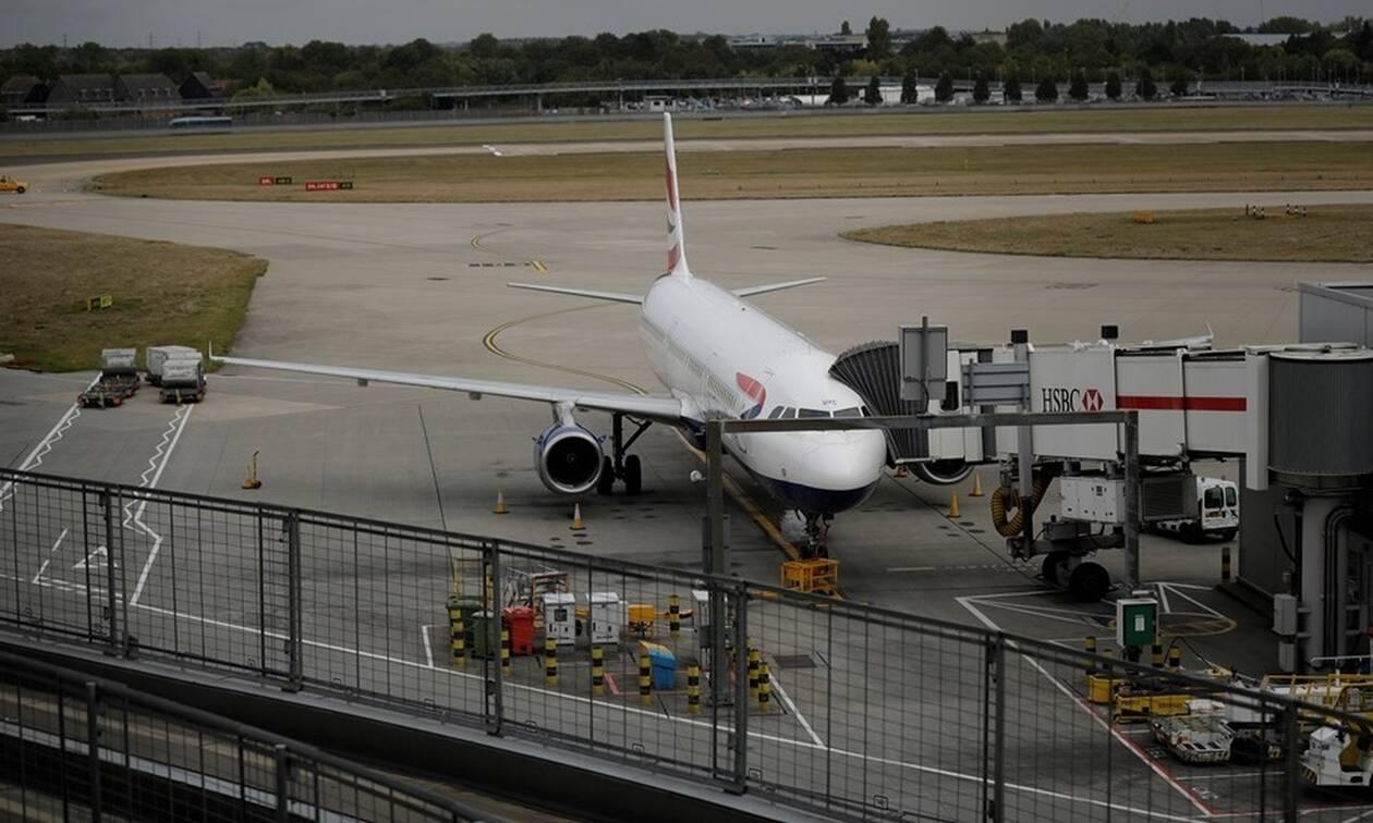 Πανικός σε πτήση: Αναγκαστική προσγείωση αεροσκάφους με 165 επιβάτες (pic)