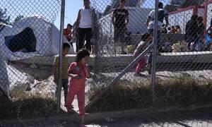 Μεταναστευτικό «ώρα μηδέν»: «Ανοίγουν» πρώην στρατόπεδα - Πού θα φιλοξενηθούν οι μετανάστες