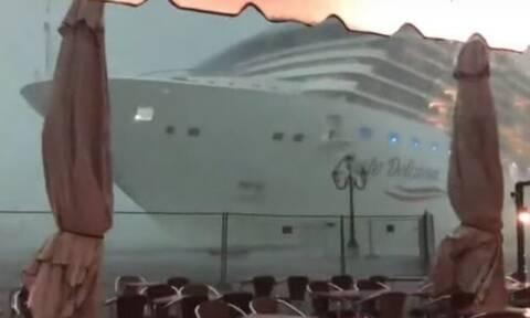 Βίντεο: Κρουαζιερόπλοιο περνάει ξυστά από… καφετέρια!