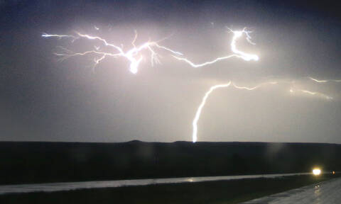 Έκτακτο δελτίο επιδείνωσης καιρού - EMY: Έρχονται ισχυρές καταιγίδες, βροχές και χαλάζι