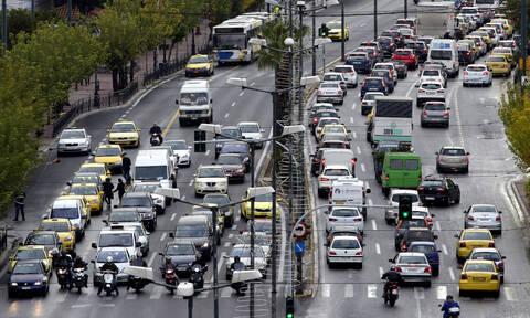 Κυκλοφοριακό κομφούζιο στους δρόμους της Αθήνας - Πού εντοπίζονται προβλήματα