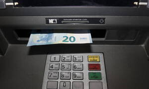 Αναδρομικά: Ποιοι και πότε θα πάρουν έως και 30.000 ευρώ (ΠΙΝΑΚΕΣ)