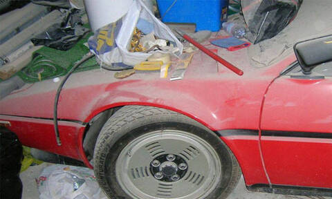 Τρομερό: Δες πόσο ακριβό αμάξι είχε παρατημένο για 35 χρόνια και δεν το γνώριζε! (pics)