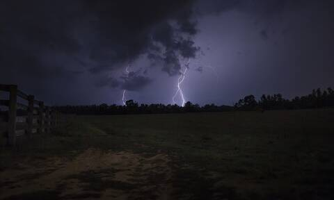 Καιρός - Έκτακτο δελτίο ΕΜΥ: Προσοχή τις επόμενες ώρες - Επικίνδυνα καιρικά φαινόμενα