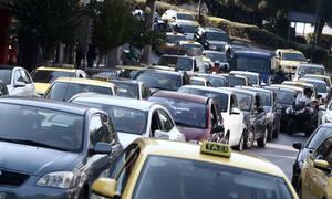Μποτιλιάρισμα και ταλαιπωρία για τους οδηγούς - Ποιοι δρόμοι της Αθήνας είναι απροσπέλαστοι