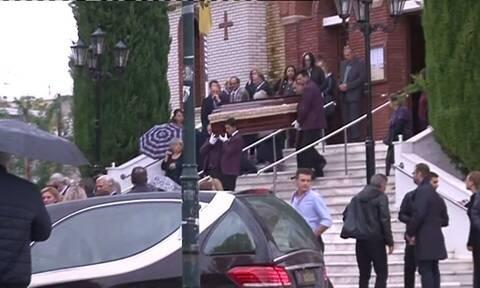 Θεσσαλονίκη: Θρήνος στην κηδεία της καθηγήτριας - Οι τελευταίες δραματικές στιγμές της (vid)