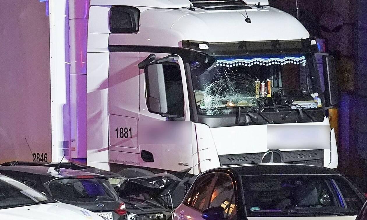 Ανατροπή στην επίθεση με φορτηγό στη Γερμανία: Τρομοκρατικό το χτύπημα λένε οι Αρχές (pics&vid)