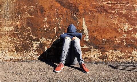 Στοιχεία – σοκ: 1 στα 4 Ελληνόπουλα έχει σκεφτεί να κάνει κακό στον εαυτό του
