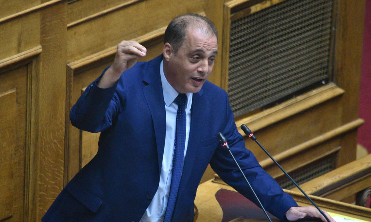 Βουλή: Ο Βελόπουλος κατηγόρησε τη ΝΔ για δειλία και φυγομαχία
