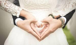 Μακάβριο: Νύφη έβαλε τις στάχτες του νεκρού πατέρα της στα ακρυλικά της νύχια–Δείτε τον λόγο (pics)
