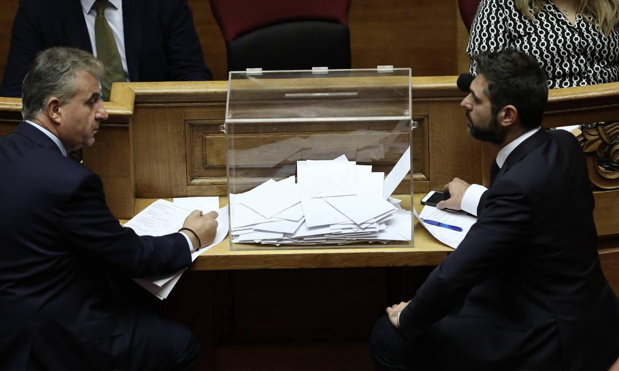 Αλαλούμ στη Βουλή: Μέτρησαν ξανά τις ψήφους για Παπαγγελόπουλο λόγω… λάθους