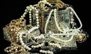 Θεσσαλονίκη: Μακρυχέρα οικιακή βοηθός «ξάφριζε» χρήματα και κοσμήματα
