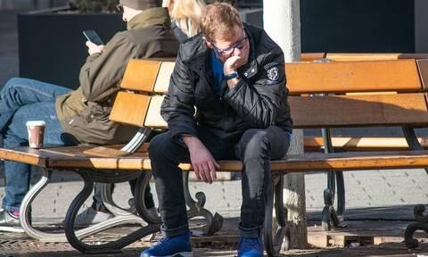 ΟΟΣΑ: Πάνω από 25% η ανεργία των νέων στην Ελλάδα