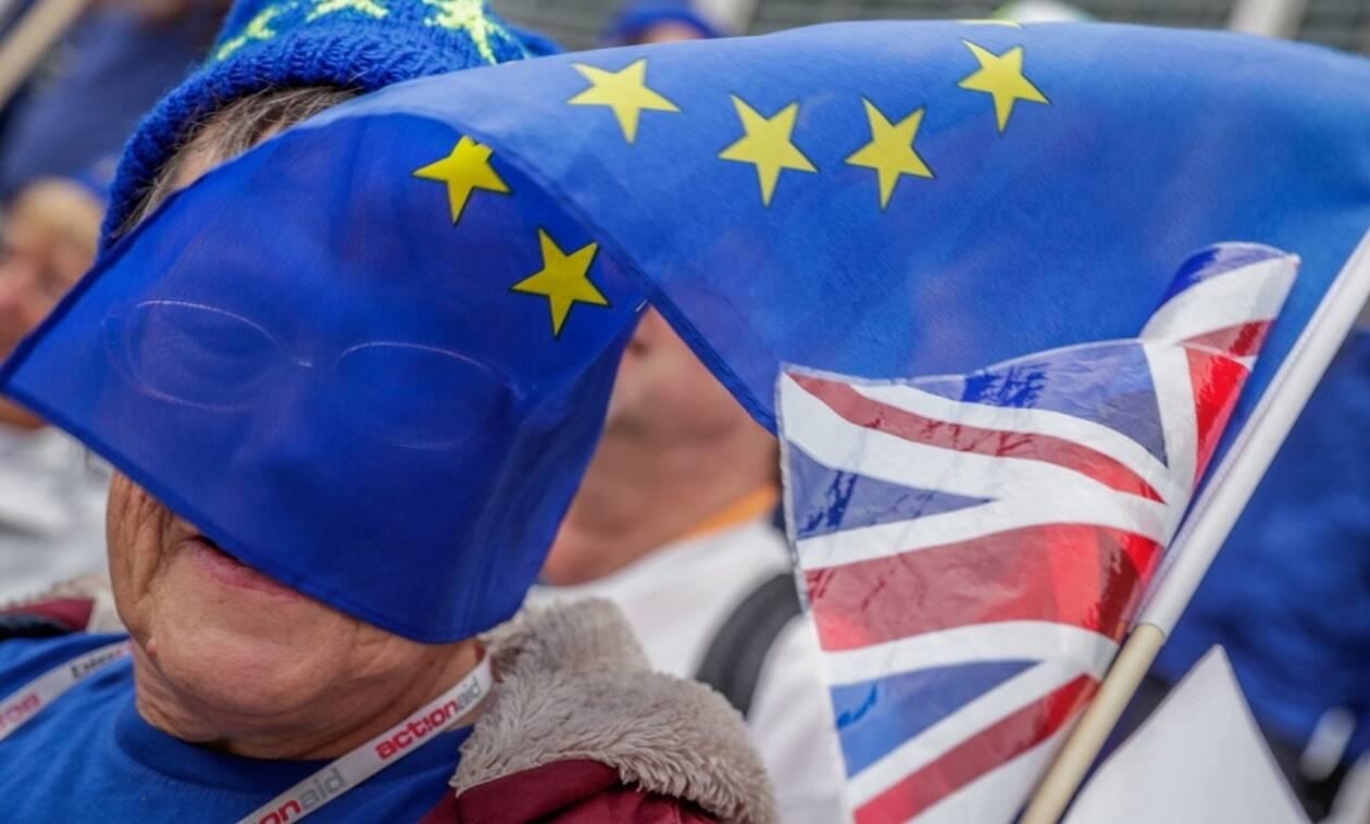 Η Ευρώπη αντιμετωπίζει το Brexit και πάει μπροστά