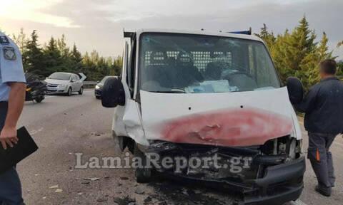 Λαμία: Σοβαρό τροχαίο με μετωπική σύγκρουση - Σκληρές εικόνες