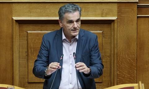 Τσακαλώτος: Το σχέδιο για τα κόκκινα δάνεια είναι επιτυχία του ΣΥΡΙΖΑ, οχι της ΝΔ