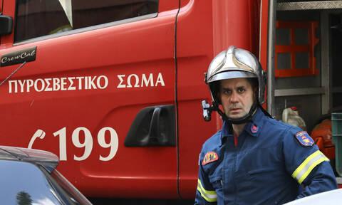 ΤΩΡΑ: Φωτιά κοντά σε έξοδο της Αττικής Οδού στην Παιανία