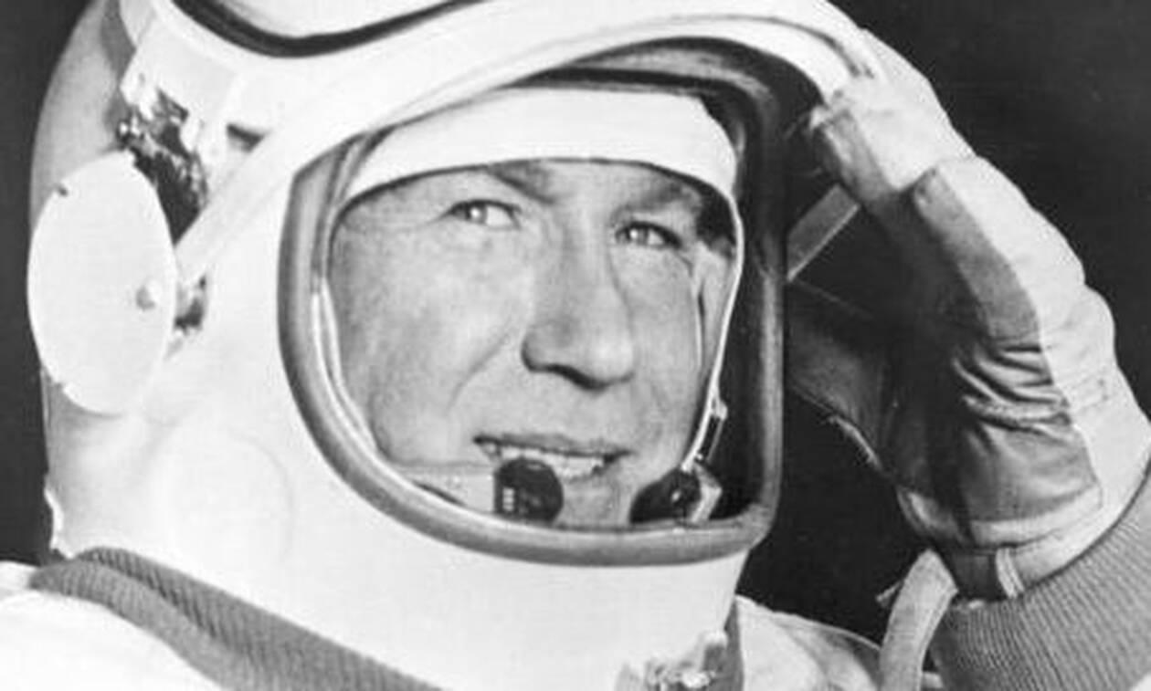 Πέθανε ο κοσμοναύτης Αλεξέι Λεόνοφ, ο πρώτος άνθρωπος που έκανε διαστημικό περίπατο