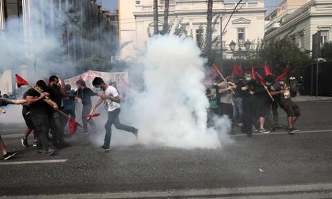 Συναγερμός στο κέντρο της Αθήνας: Επεισόδια στο εκπαιδευτικό συλλαλητήριο (pics)