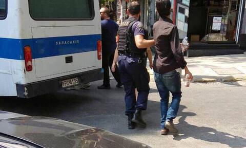 Έφοδος της αστυνομίας σε «στρατηγείο» ναρκεμπόρων - Τι εντόπισαν