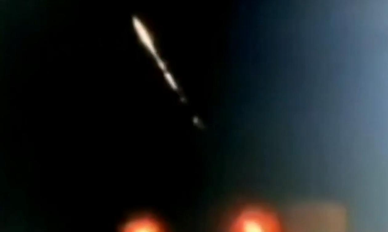 Έγινε η νύχτα… μέρα: Μυστηριώδες φαινόμενο στον ουρανό τρομάζει τους κατοίκους
