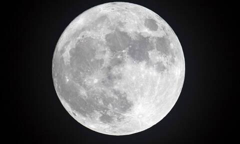 Το μάθαμε και αυτό: Γιατί η Σελήνη λέγεται και φεγγάρι;