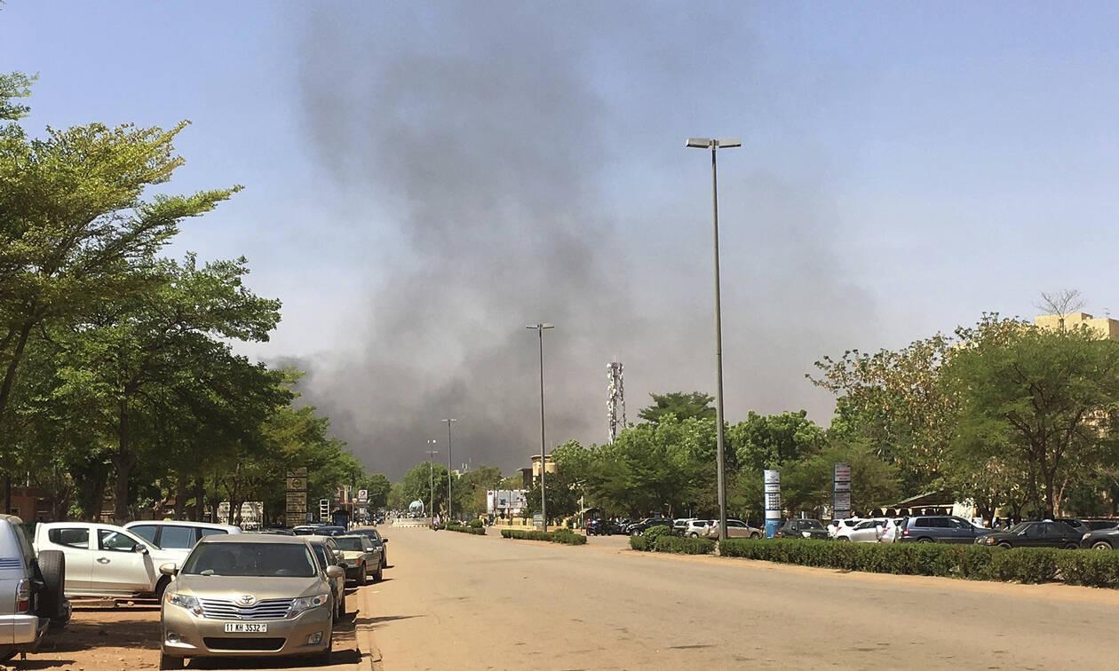 Μακελειό στη Μπουρκίνα Φάσο: Μπήκαν στο τζαμί και θέρισαν πιστούς - 16 νεκροί