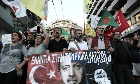 Πορεία Κούρδων σε Αθήνα και Θεσσαλονίκη για την εισβολή στη Συρία - Έκαψαν τουρκική σημαία (pics)