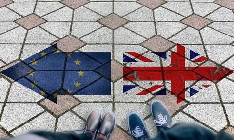 Βρετανία: Υπουργικό συμβούλιο για το Brexit - Εκλογές πριν από τα Χριστούγεννα «βλέπει» ο Κόρμπιν