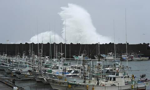 Hagibis: Εικόνες Βιβλικής καταστροφής από το πέρασμα του τυφώνα – Στους 33 οι νεκροί