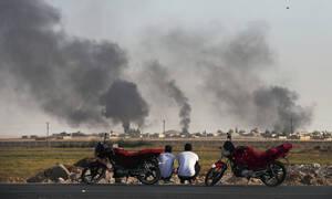 Εικόνες φρίκης στη Συρία: Τουρκικά αεροσκάφη «θέρισαν» 26 αμάχους – Βομβάρδισαν κονβόι δημοσιογράφων