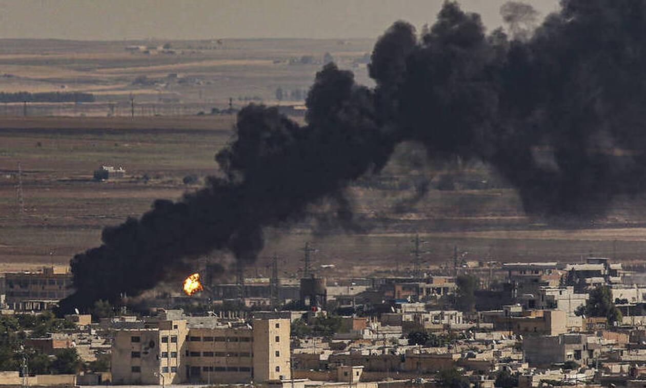 Συρία: Επεμβαίνει και ο συριακός στρατός – Αναπτύσσεται στις πόλεις που «σφυροκοπά» ο Ερντογάν