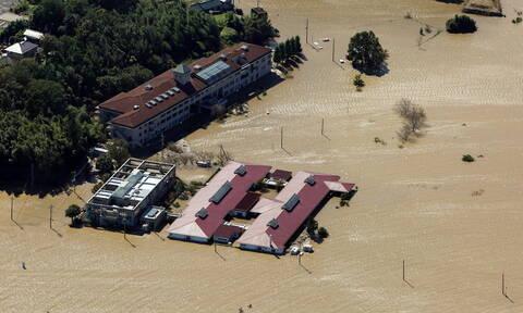 Ιαπωνία: Δεκάδες νεκροί κι ανυπολόγιστες καταστροφές από το πέρασμα του τυφώνα Χαγκίμπις (pics+vids)