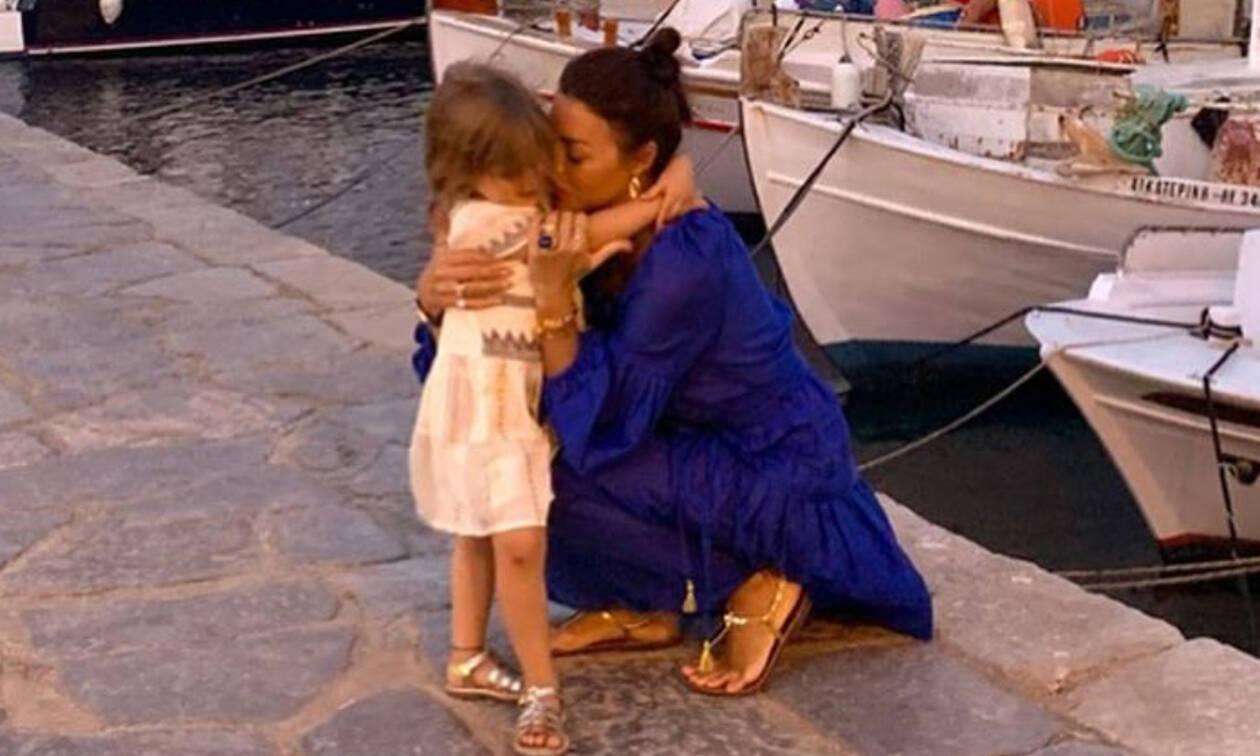 Σίσσυ Φειδά: Μας δείχνει για πρώτη φορά το πρόσωπο της κόρης της (pics)