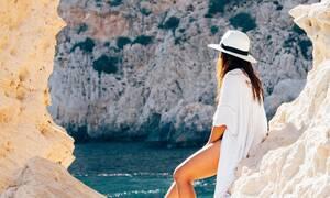 Σάλος: Της έβαλαν πρόστιμο γιατί φορούσε αυτό το μαγιό στην παραλία! (pics)