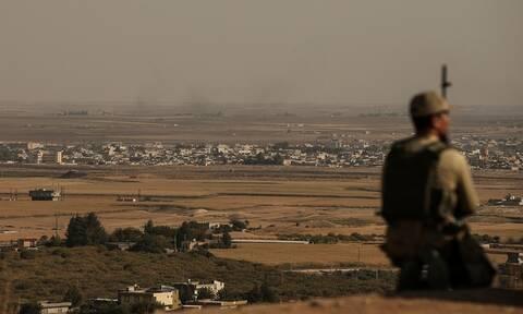 Συρία: Αυτός είναι ο δημοσιογράφος που σκοτώθηκε από τον τουρκικό βομβαρδισμό σε κονβόι αμάχων