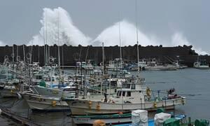 Ιαπωνία: Εικόνες αποκάλυψης - Τουλάχιστον 56 νεκροί από τον τυφώνα Χαγκίμπις  (pics+vids)