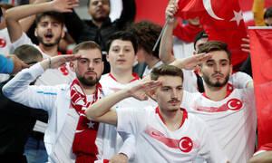 «Γκρίζοι Λύκοι» και στρατιωτικοί χαιρετισμοί στο Γαλλία - Τουρκία!