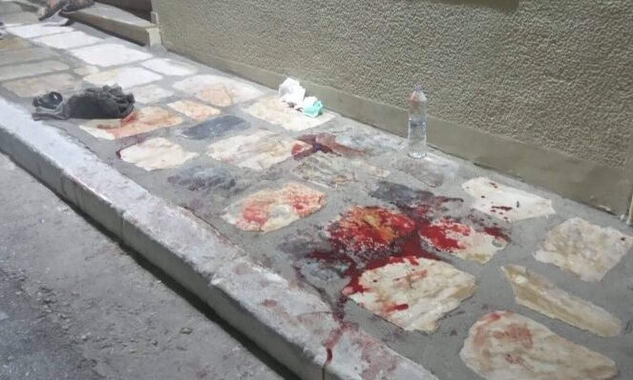 Ανεξέλεγκτη η κατάσταση στη Σάμο: Μετανάστες τράβηξαν μαχαίρια στο κέντρο της πόλης