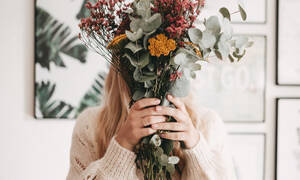 DIY idea: φτιάξε μόνη σου ένα υπέροχο φθινοπωρινό μπουκέτο που θα στολίσει το γραφείο σου