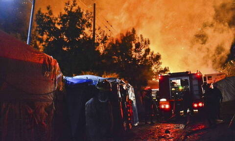 Large part of Samos hotspot destroyed in fire on Monday