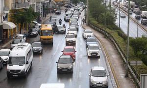 Χάος στην Αθηνών - Κορίνθου: Σύγκρουση οχημάτων και ουρές χιλιομέτρων