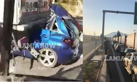 Σοκαριστικό τροχαίο στην Εθνική οδό Αθηνών Λαμίας : ΙΧ «καρφώθηκε» σε νταλίκα - Νεκρός ο οδηγός