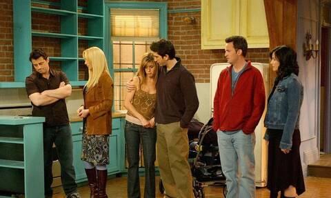 Friends: Κανείς δεν είχε προσέξει αυτή τη λεπτομέρεια στο σκηνικό (pics+vid)