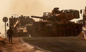 Συγκλονιστικές εικόνες στη Συρία: Η στιγμή που συναντώνται τα στρατεύματα των ΗΠΑ και του Άσαντ(vid)